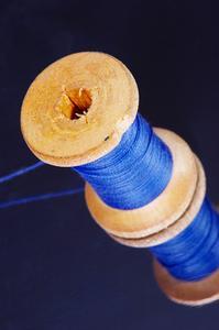 Facile artisanat pour les enfants à l'aide de bobines & pinces à linge