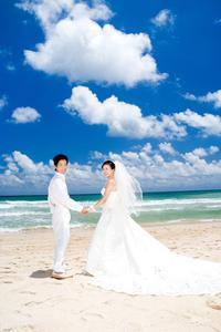 Comment d crire le code vestimentaire pour un mariage de for Code vestimentaire d invitation de mariage