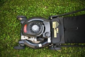 Comment utiliser une trancheuse de semences de gazon