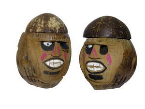 Outils pour la découpe de coquilles de noix de coco