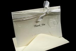 Comment écrire une note de remerciement pour un don monétaire