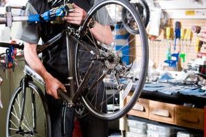 Comment faire un vélo stationnaire debout