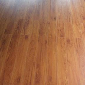 Decaper un plancher de bois - Comment installer du plancher flottant ...