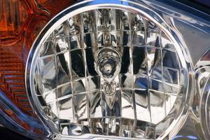 Comment faire pour changer les phares sur un 2001 Jeep Grand Cherokee Laredo