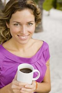 Comment obtenir le thé & taches de café sur de tasses