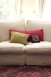 Comment nettoyer tissu d'un canapé avec Scotchgard