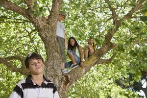 Quels sont les facteurs dans l'environnement affectent l'enfant en pleine croissance ?