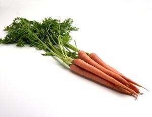 Comment nettoyer les carottes crues