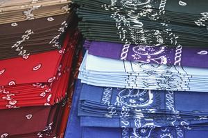 Quelle est la signification des bandanas colorés ?