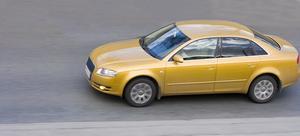 Comment puis-je changer les phares sur un 2002 Audi A6 ?
