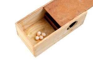 comment construire une bo te en bois avec des outils manuels. Black Bedroom Furniture Sets. Home Design Ideas