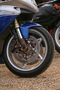 Comment patcher une chambre à air moto