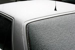 Comment faire pour remplacer la Base de l'antenne sur un 2000 Ford Focus
