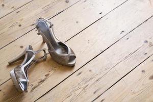 Est-il possible de réduire les talons sur les chaussures ?