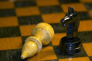 Comment faire des patrons pièce d'échecs 4 pouces