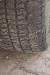 Comment savoir si les pneus ont encore suffisamment profondeur de sculpture