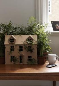 Comment construire une maquette de maison miniature en for Comment construire sa maison en bois