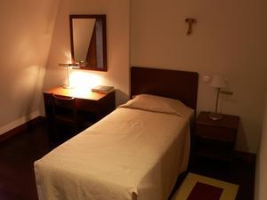 Idées de rangement pour une petite chambre à coucher